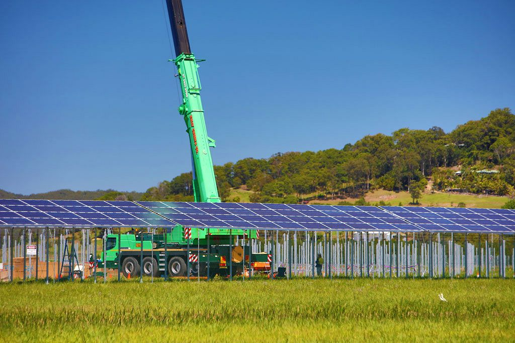 First Panels Installed On The Sunshine Coast Solar Farm
